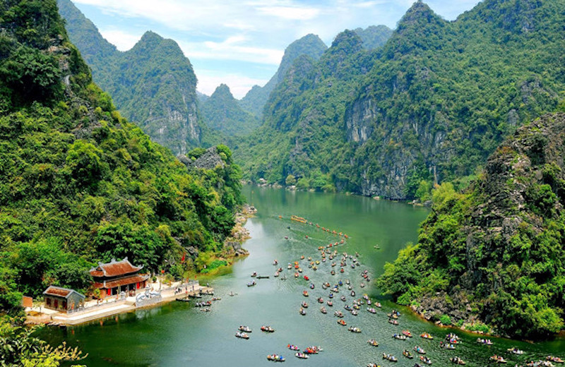 Vietnam keeps borders shut to foreign tourists