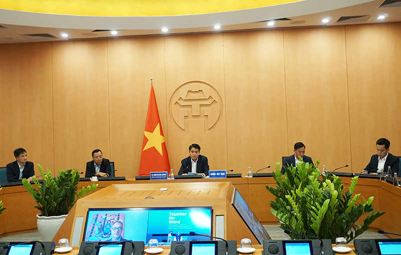 Hanoi mayor shares experience in Covid-19 prevention with world cities