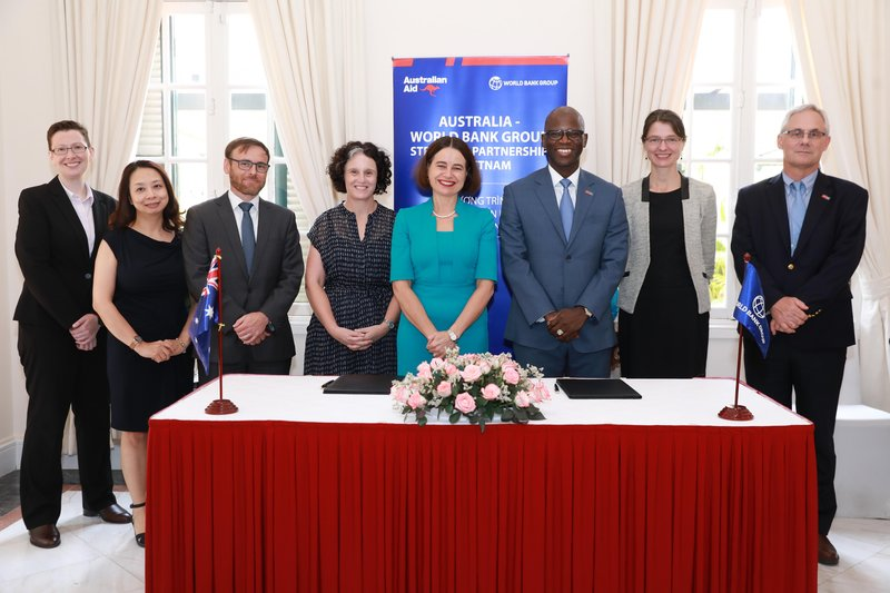 Australia, World Bank provide financial support to Vietnam amid Covid-19 impacts