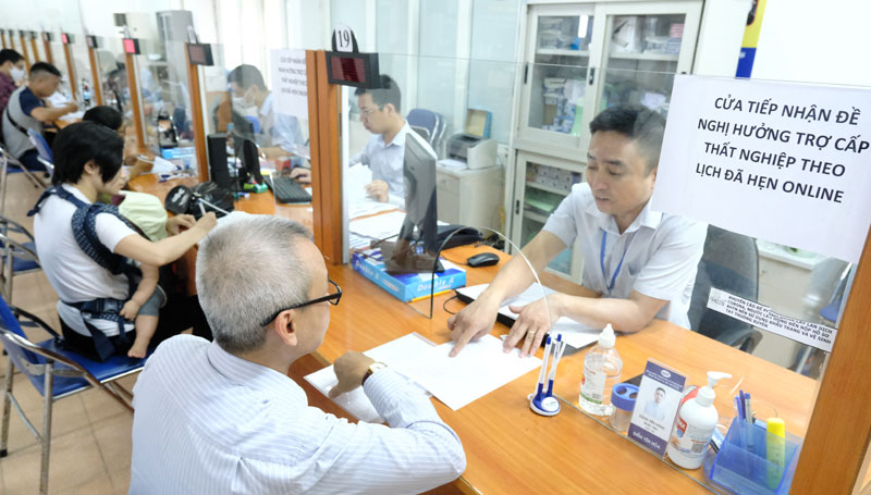 Vietnam: Nearly 8 million workers lose jobs or on furlough on Covid-19
