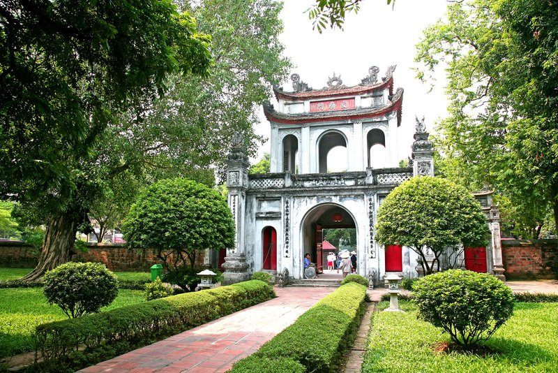 Hanoi to intensify tourism promotion on internet, foreign TV channels