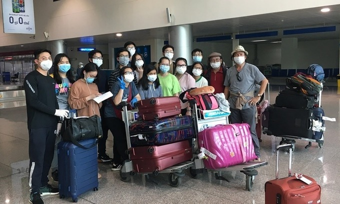 Vietnam may operate repatriation flights for Vietnamese students in US