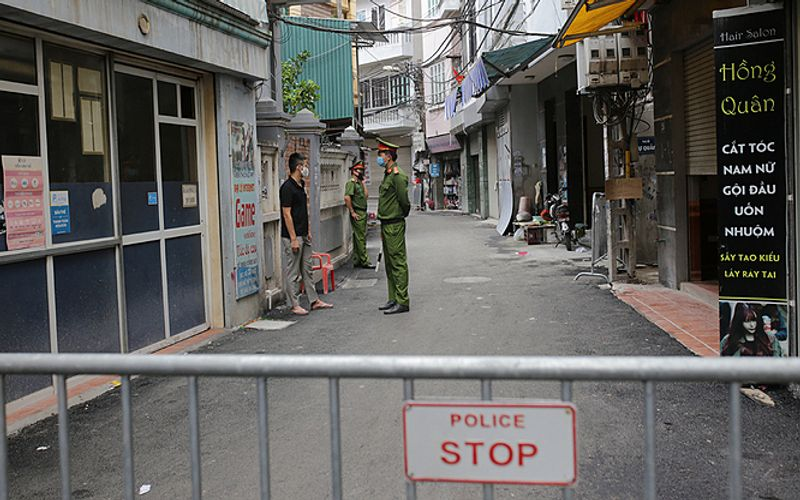 Hanoi leadership requests strict handling of illegal immigration