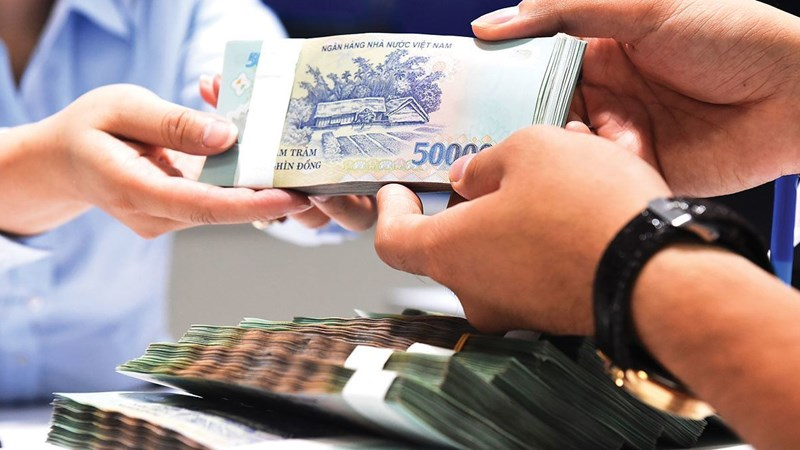 Vietnam c.bank delays enforcement of loan regulation to aid economy
