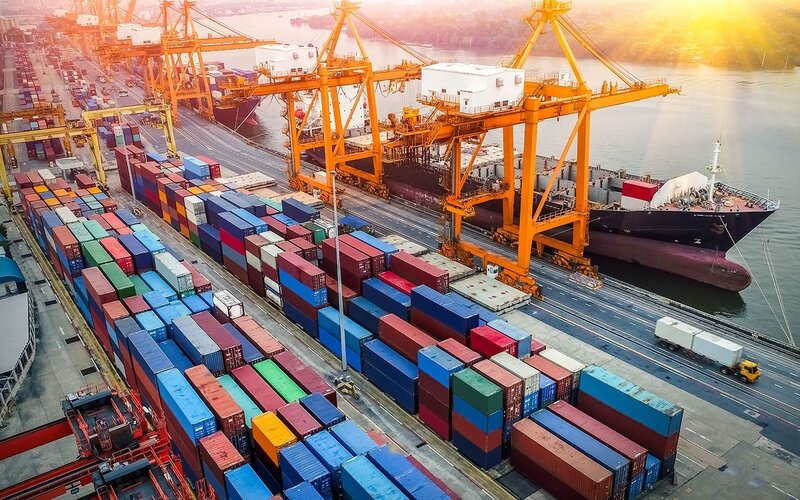 Vietnam trade surplus expands to nearly US$17 billion in 9-month