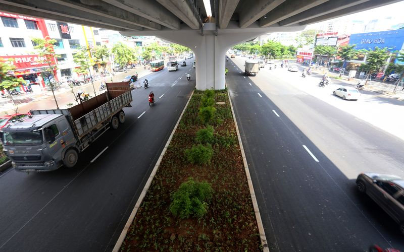 Stretch of Hanoi's ring road widened for smoother traffic