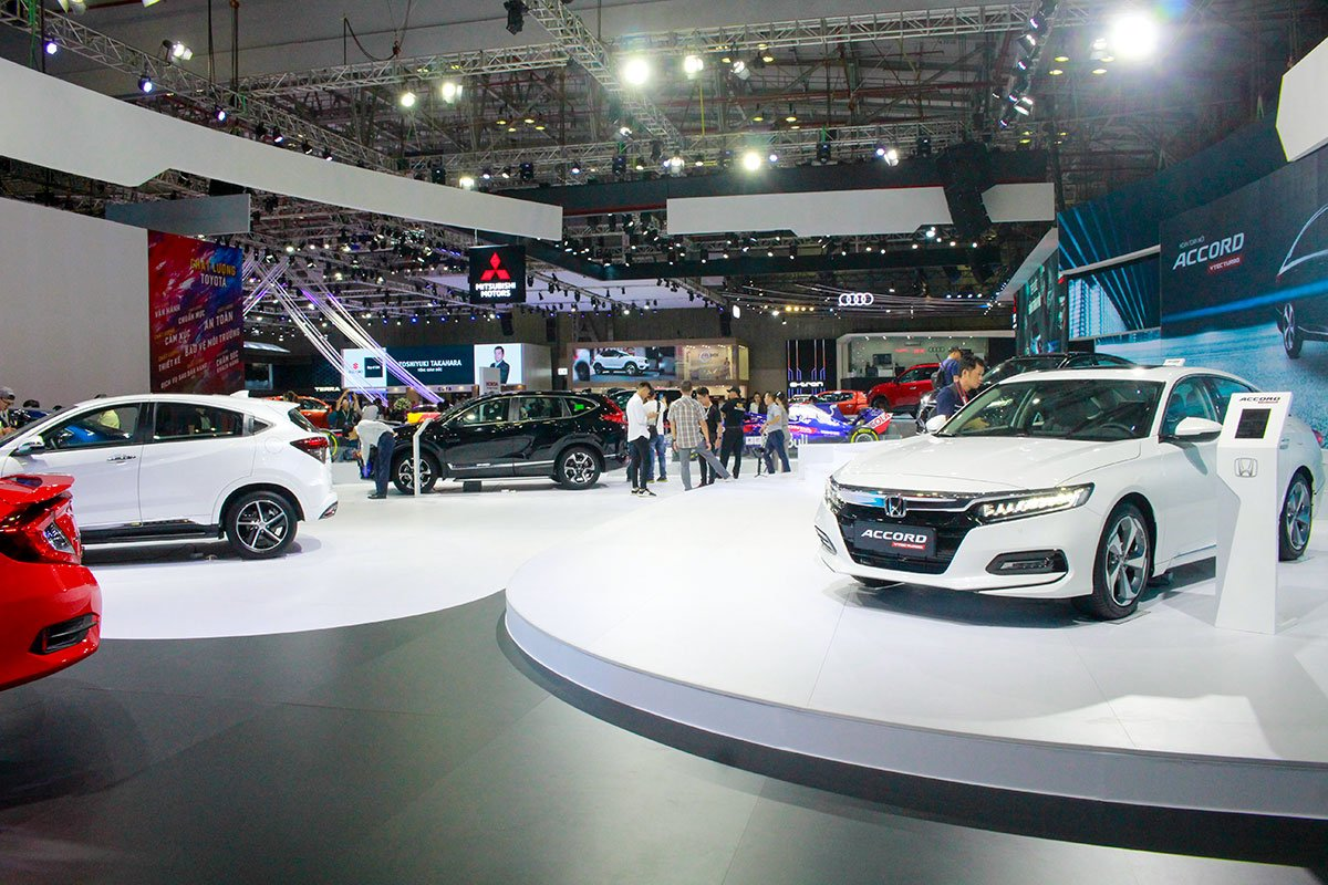 Car sales in Vietnam bounce back in September