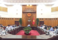 Vietnam gov't officials gather at night for Essex truck death case