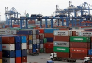 Vietnam gov't insists on estimating trade deficit in 2020 after 4 years of surplus