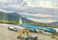 Vietnamese domestic air carriers cancel 49 flights due to storm