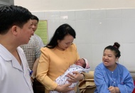 Vietnam health minister dismissed on age regulation