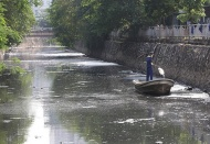 Hanoi to build sewage collection system along polluted river