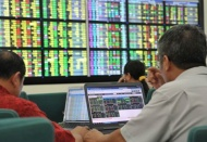 Foreign investors unable to get Vietnamese stocks despite value at lowest level: Bloomberg