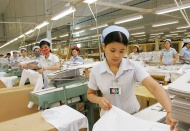 Vietnam targets US$100-billion textile exports by 2030: PM