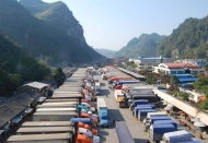 Trade at Vietnam-China border gates intensifies