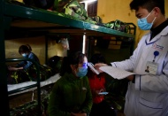 Nearly 2,300 Vietnamese people isolated at military barracks to prevent Covid-19