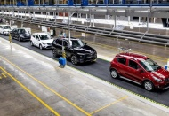 Vietnam eases grip on car import