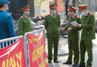 Life of people on Hanoi street under lockdown