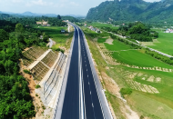 Vietnam to speed up construction of North-South expressway in 2020