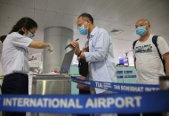 Hanoi guides strict rules on quarantine of foreigners