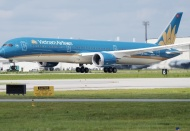 Vietnam Airlines limits passengers per flight to HCMC, Danang