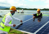 Vietnam new solar FITs does not help much to attract further investment: Fitch
