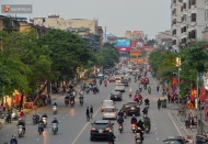 Hustle and bustle returns to Hanoi as usual on loosened social distancing orders