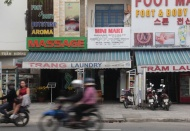 Hanoi keeps spa, karaoke services, pubs shut to prevent Covid-19
