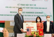 Vietnam donates another 420,000 medical masks to US