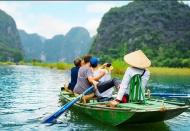 Int'l arrivals to Vietnam keep falling on border closure