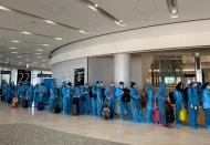 Vietnam repatriates 1,000 citizens on three days