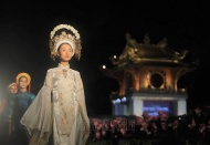 Beauty of 1,000 Ao dai in Vietnamese Cultural Heritage program
