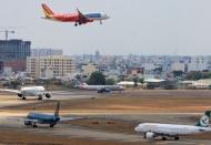 Vietnam gov't holds off licensing new airlines until 2022