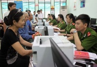 Hanoi urged to be cautious about relaxing residency conditions