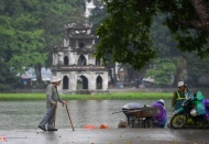 Cold spell continues to hit Hanoi and northern Vietnam