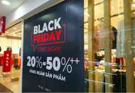 Shoppers anticipate great bargain in Hanoi's upcomign Black Friday 2020 event