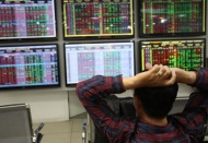 Vietnam stock market falls to deepest slump yet amid new Covid-19 outbreak