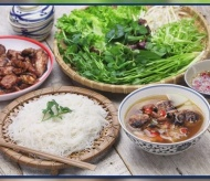 French newspaper suggests eight must-eat street foods in Hanoi