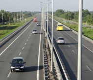 Vietnam transport ministry plans over US$17 billion to build expressways in 5 years