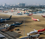 Noi Bai airport runway reparation may be completed this November