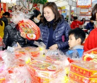 Hanoi to provide plentiful goods for upcoming Tet holiday: Official