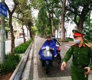 Hundreds of people fined for disobeying face mask rules in Hanoi