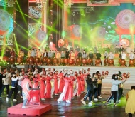Art performance to celebrate the success of 13th National Party Congress
