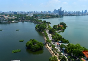 Snapshots of beautiful West lake in Hanoi
