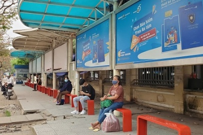 Hanoi to allow advertising rights in exchange for 600 bus stop shelters