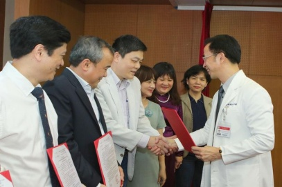 Hanoi renowned hospital rejects rumors about its director