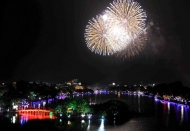 Hanoi to hold fireworks shows in all districts to celebrate upcoming Tet