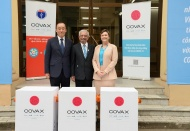 Int'l organizations help first COVAX vaccine dose delivered to Vietnam