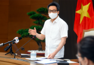 Vietnamese gov't welcomes public support for Covid-19 vaccination: Deputy PM