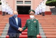 Vietnam, UK strengthen defense ties